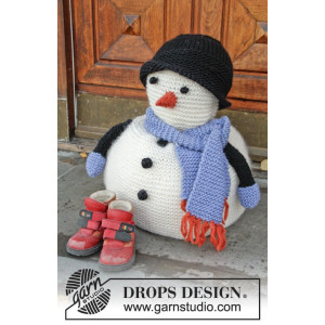 Frank by DROPS Design - Knitted Snowman with Scarf and Hat Pattern 36 cm