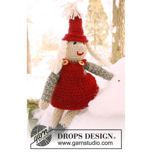 Mrs. Claus by DROPS Design - Crochet Santa Pattern 35 cm