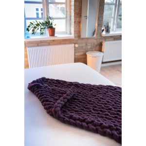 Mayflower Knitted Tv-blanket - Pattern 110x100cm