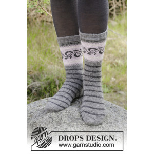 Telemark Socks by DROPS Design - Knitted Socks with Norwegian Pattern size 35/37 - 41/43