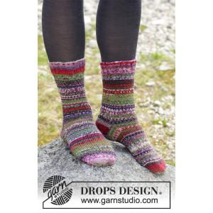 Rock Socks by DROPS Design - Knitted Socks Pattern size 35/37 - 41/43