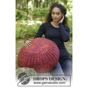 Pomodoro by DROPS Design - Knitted Pouffe in English Rib Pattern 142x45 cm
