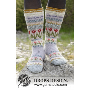 Always Winter by DROPS Design - Knitted Socks with Multi-coloured Norwegian Pattern size 35/37 - 44/46