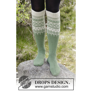 Perles du Nord Socks by DROPS Design - Knitted Socks in Norwegian Pattern size 35/37 - 41/43