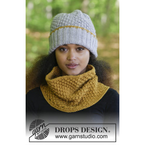 Welcome Winter by DROPS Design - Knitted Hat and Neck Warmer with Blueberry Pattern size S/M - L/XL