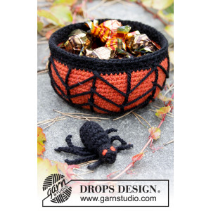 Creepy Candy by DROPS Design - Crochet basket with Cob Web and Spider Halloween Pattern 12x6cm