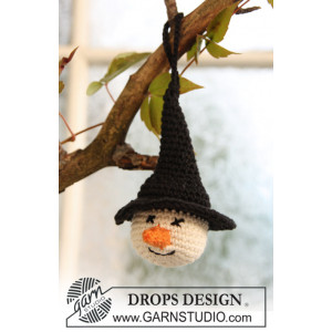 Tabitha by DROPS Design - Crochet Halloween Witches Head Decoration Pattern