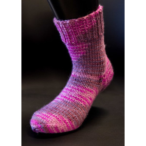 Mayflower Cozy Socks - Sock Knitting Pattern Size 19/21 - 43/45