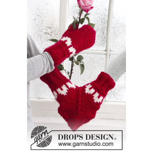 Love Glove by DROPS Design - Glove Knitting Pattern Size S - M/L