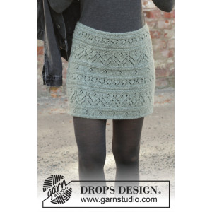 Mint Tulip by DROPS Design - Knitted Skirt Pattern Sizes S - XXXL