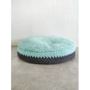 Dog cushion by Rito Krea - Dog basket Crochet pattern 70 / 80x15 cm