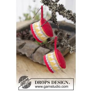Christmas Drums by DROPS Design - Crocheted Drum Pattern 18x5 cm