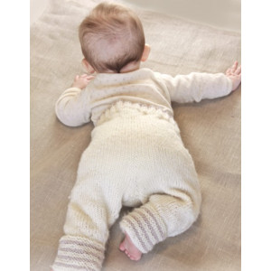 Little Darcy Pants by DROPS Design - Knitted Baby Pants Pattern Size 0 months - 4 years