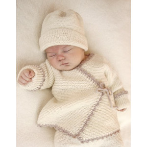 Bedtime Stories by DROPS Design - Knitted Baby Wrap Cardigan Pattern Size premature - 4 years