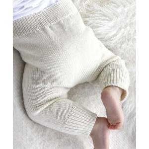Cozy and Cute by DROPS Design - Knitted Baby Pants Pattern Size 1 months - 4 years