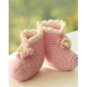 Princess Boots by DROPS Design - Crochet Baby Boots Pattern Size 1 months - 4 years