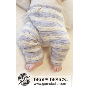Heartthrob Pants by DROPS Design - Crochet Baby Pants Size 1 months - 4 years