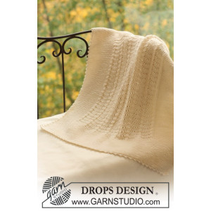 Princess Chantilly by DROPS Design - Knitted Baby Blanket Pattern 65x80 cm