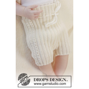 Simply Sweet Shorts by DROPS Design - Knitted Baby Shorts Pattern size Premature - 3/4 years