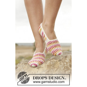 Tropical Steps by DROPS Design - Crochet Slippers Pattern size 35 - 43