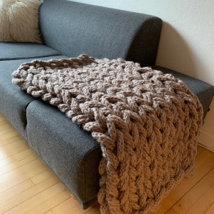 Chunky Blanket by Rito Krea - Blanket Knitting Pattern 130x110cm