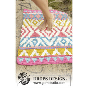 The Trail by DROPS Design - Crochet Rug Pattern 68x106 cm
