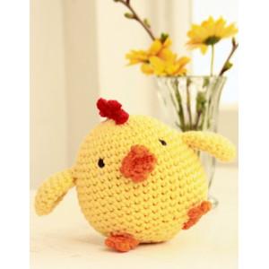 Chicken Little by DROPS Design - Crochet Little Chicken Pattern 12 cm