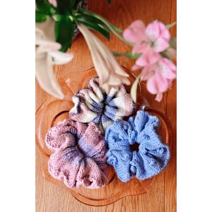 Beginner-scrunchie by Emma Katrine - Knitted Starterkit Scrunchie