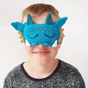 Dragon Sleeping Mask by Rito Krea - Sleeping Mask Crochet Pattern 16x11cm