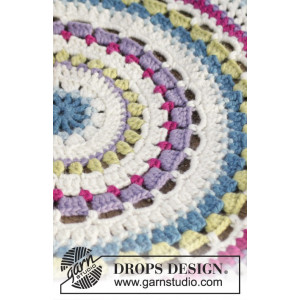 Color Wheel by DROPS Design - Crochet Rug Pattern 94 cm