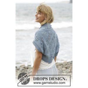 Beach Bolero by DROPS Design - Knitted Shoulder Piece with Lace Pattern size S/M - XXXL