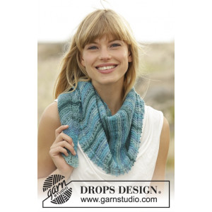 Blue Rapids by DROPS Design - Knitted Shawl Pattern 140x33 cm