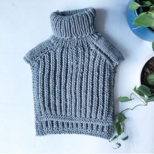 Far Neck Warmer by Rito Krea - Knitting Pattern: Neck Warmer, sizes Small/Large