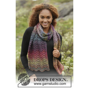 Rainbow Ripples by DROPS Design - Knitted Scarf with Stripes and Lace Pattern 160x30 cm