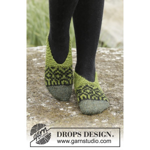 Olive Love by DROPS Design - Knitted Slippers with Nordic Pattern size 35/37 - 40/42