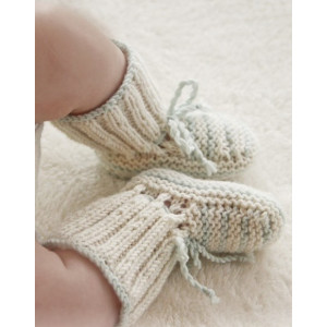 First Impression Booties by DROPS Design - Knitted Baby Booties Size Premature - 4 years