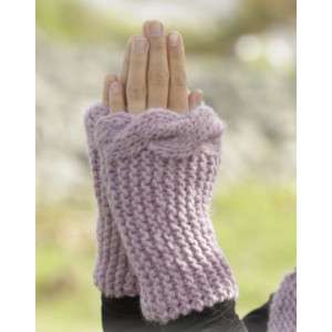 Cable Embrace by DROPS Design - Knitted Wrist Warmers Cable Edge Pattern size S - L