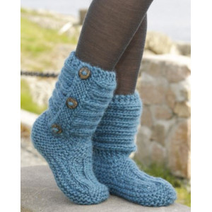 One Step Ahead by DROPS Design - Knitted Slippers Pattern Size 35 - 42