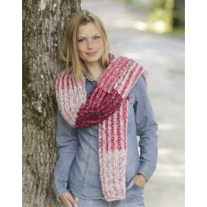 Raspberry Hug by DROPS Design - Knitted Scarf Pattern 173x32 cm