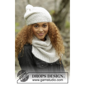 Cream Puff by DROPS Design - Knitted Hat and Neck Warmer in double moss Pattern size S/M - M/L