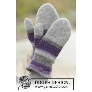 Polar Stripes by DROPS Design - Felted Mittens with Stripes Pattern size S/M - L/XL