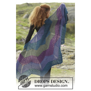 Aurora Borealis by DROPS Design - Knitted Shawl zig-zag Pattern 148x74 cm