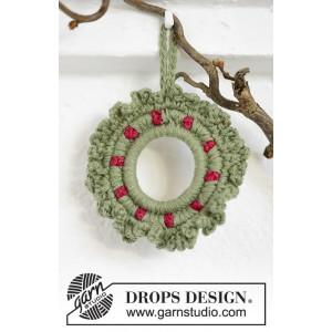 Winterberry by DROPS Design - Crochet Wreath Pattern 8,5 cm
