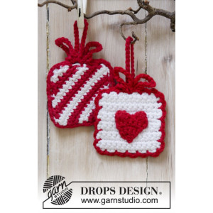 Hanging Gifts by DROPS Design - Crochet Christmas Presents Pattern 7x7 cm