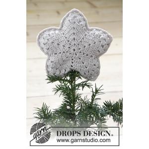 Top That! by DROPS Design - Crochet Christmas Star Pattern 20x20 cm
