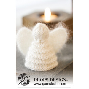 Christmas Cherub by DROPS Design - Knitted Angel Christmas Decorations Pattern 7.5 cm - 2 pcs