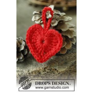 Heart of the Season by DROPS Design - Crochet Christmas Heart Pattern 5 cm - 25 pcs