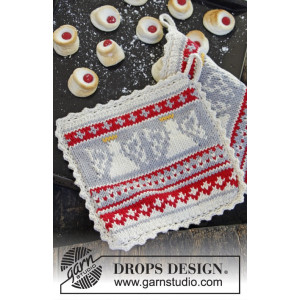 Holy Cookie! by DROPS Design - Knitted Christmas Pot Holder Pattern 20x20 cm - 2 pcs