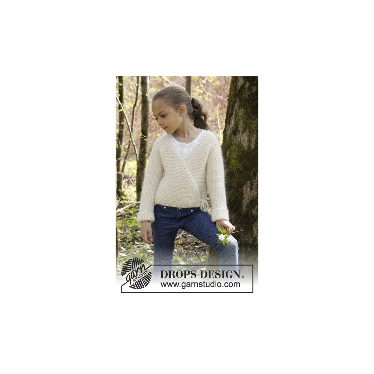 016797c3dc5d Titania by DROPS Design - Knitted Wrap Around Jacket in Garter Stitch  Pattern size 3 5 - 11 12 years - Ritohobby.co.uk