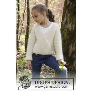 Titania by DROPS Design - Knitted Wrap Around Jacket in Garter Stitch Pattern size 3/5 - 11/12 years